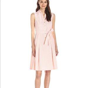 Jones New York Dresses - Jones New York pinstripe dress with tie bow